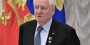 Медведев поздравил режиссера Марка Захарова с 85-летием