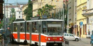 Как поворачивают трамваи и троллейбусы?