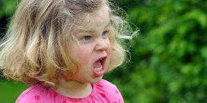 Агрессия у ребенка в 3 года: особенности взросления ребенка и методы решения проблемы