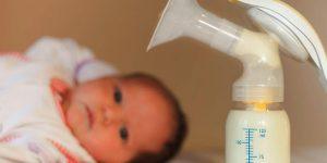 Срок годности грудного молока: порядок сцеживания, особенности хранения, советы педиатров