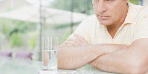 Чем лечить аденому простаты: эффективные препараты, народные способы