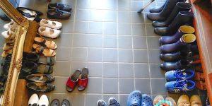«Неподконтрольная» ситуация: Борьба с огромным количеством обуви в прихожей, и что говорит об этом Библия